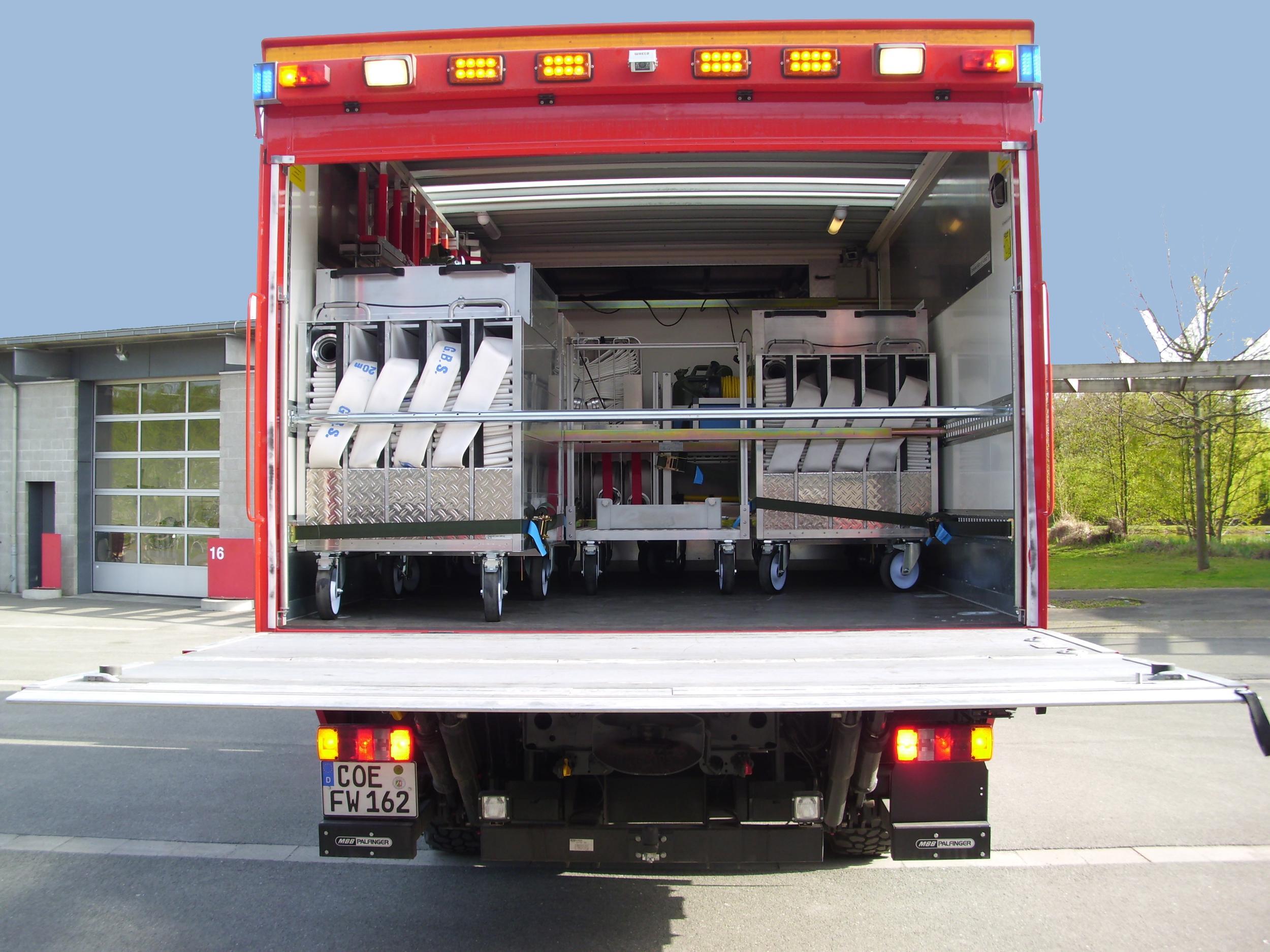 fahrzeuge zug 1 und zug 2 ger tewagen logistik. Black Bedroom Furniture Sets. Home Design Ideas